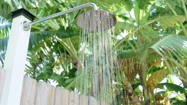 240 Desoto outdoor shower