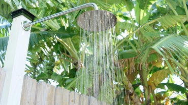 240 Desoto outdoor shower