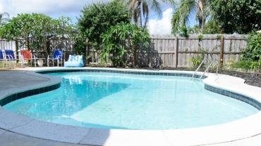 240 Desoto pool home
