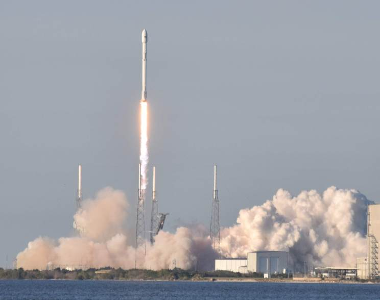 SpaceX Falcon9 lifting off with the TESS Satellite