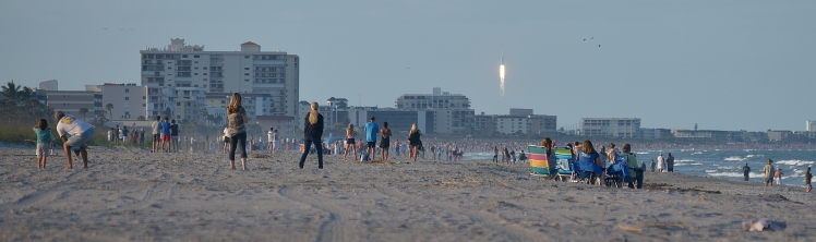SpaceX Heavy Falcon as seen from south Cocoa Beach